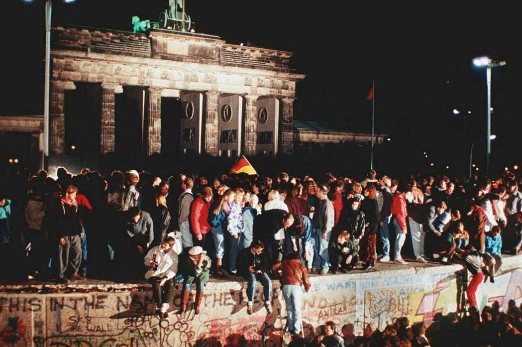 「德國再統一」的論題在1989年是相當爭議的,無論是在國內還是國外皆然。 圖/法...
