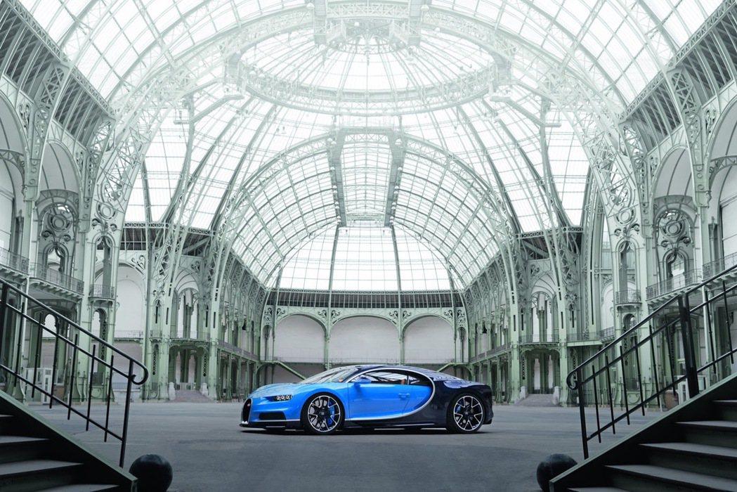 現今市面上並無可承受時速 482km/hr 荷重的輪胎,不過 Wallace 也暗示未來米其林將開發可承受時速 450km/hr 的輪胎。 摘自 Bugatti
