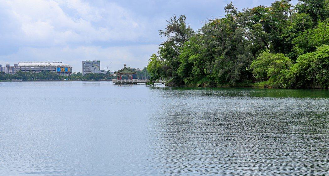 廣達375公頃的澄清湖,風光明媚。 攝影/張世雅