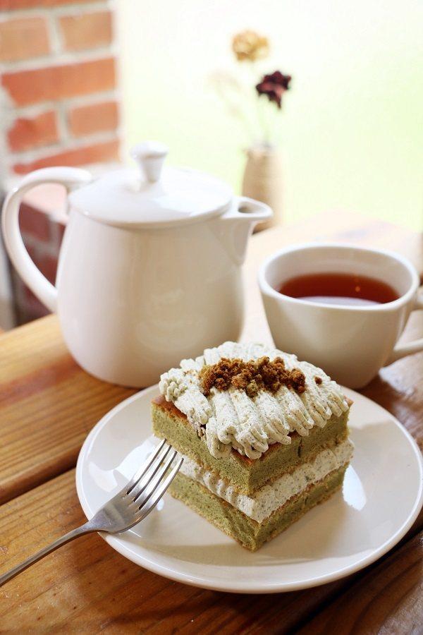 將花壇鄉農會的茉莉花茶融入「喫喫茶蛋糕」中,散發出淡雅清香且入口回甘。