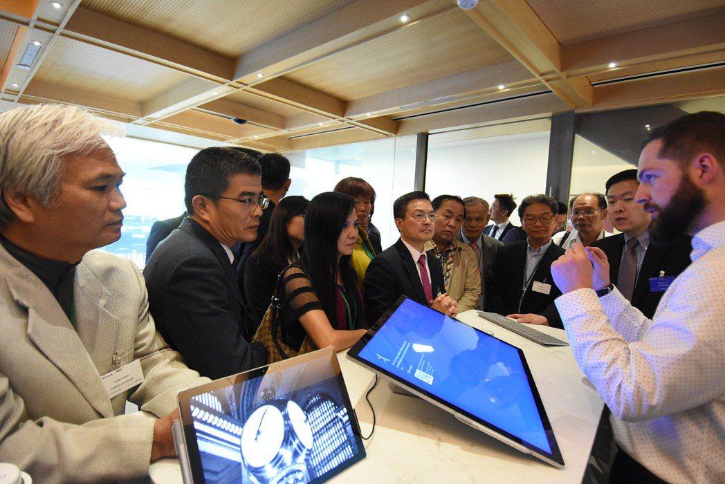 彰化縣長魏明谷率團到美國微軟公司參訪。圖/彰化縣政府提供