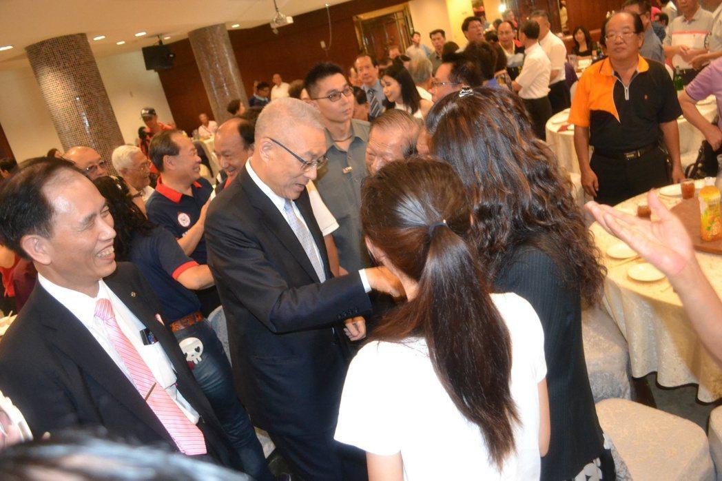 國民黨黨主席當選人吳敦義今天到台南謝票。記者鄭惠仁/攝影