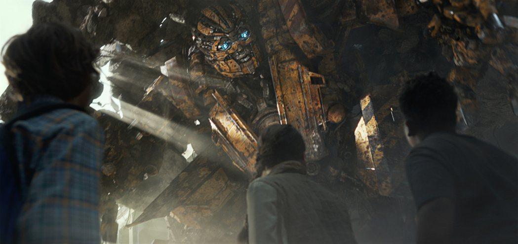 麥可貝宣稱「變形金剛5:最終騎士」是他最後一部系列作。圖/UIP提供