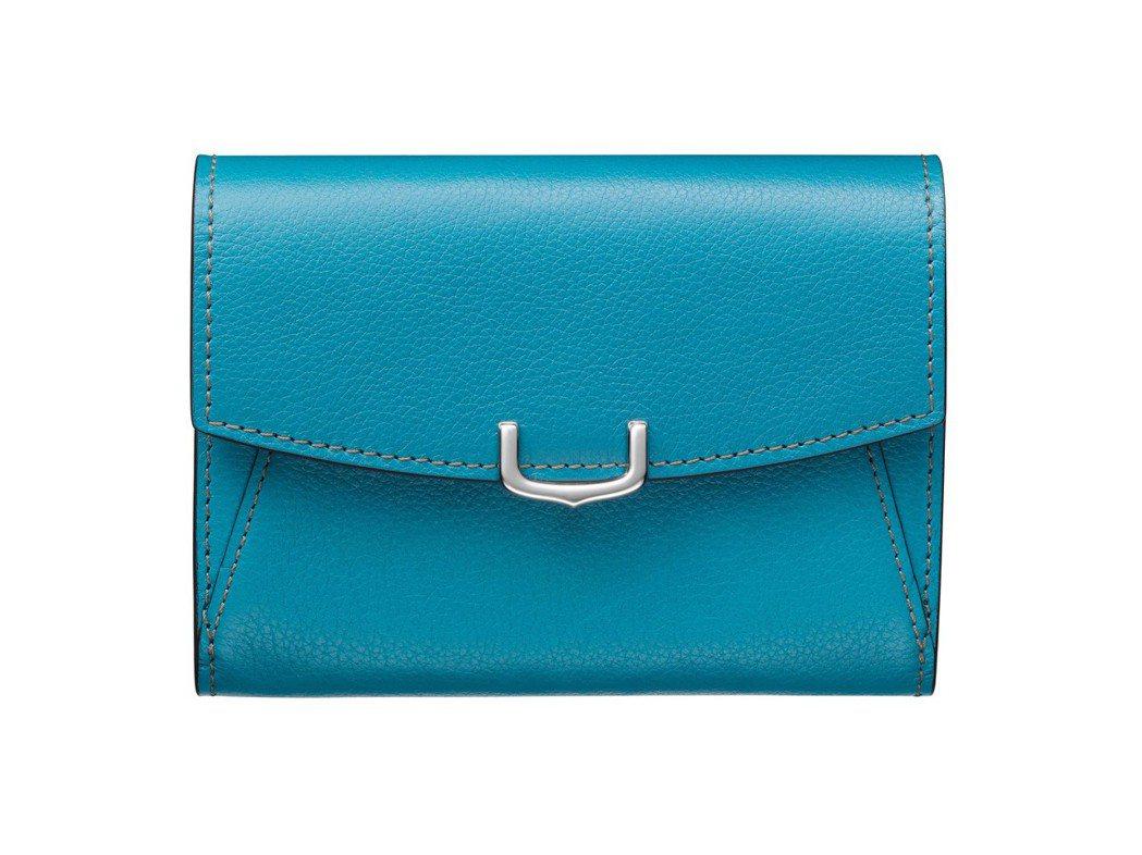 C de Cartier 系列藍碧璽色Taurillon 小牛皮短夾。約15,0...