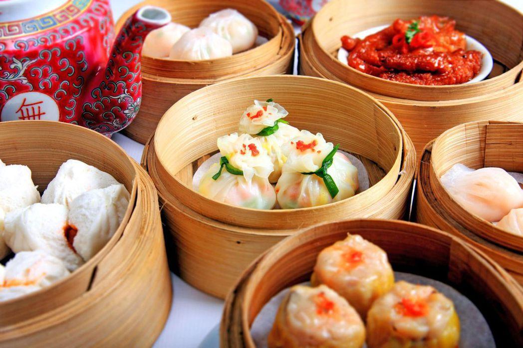 道地港式點心、九記牛腩、雲吞麵,「香港」豐富的食物選擇令人驚艷。圖/Bookin...