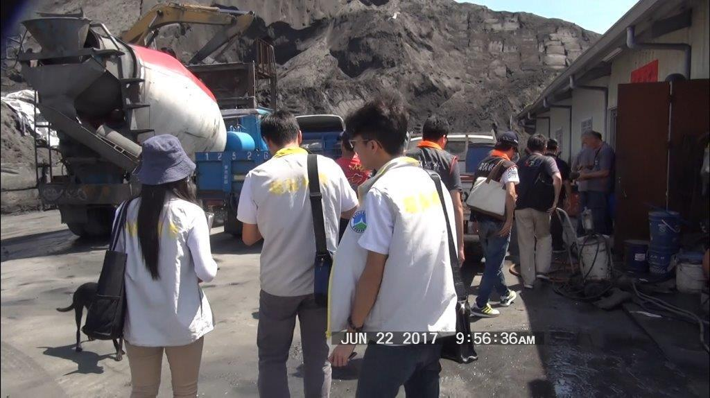台南市環警結盟執行聯合稽查。圖/台南市環保局提供