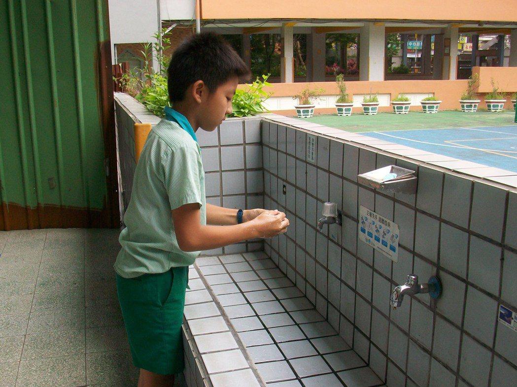 勤洗手有助預防流感。圖/新北市衛生局提供