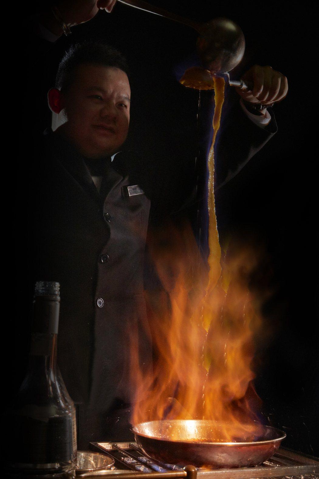 以劇中女主角吹熄蠟燭就能召喚男主角鬼怪劇情為靈感發想,規畫出一系列鬼怪限定料理。...