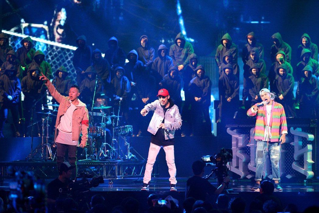 兄弟本色以「音樂本色」表演為第28屆金曲獎揭開序幕。記者林伯東/攝影