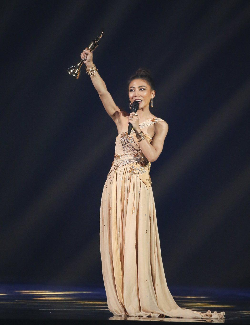 第28屆金曲獎,艾怡良獲得最佳國語女歌手獎。記者陳立凱/攝影