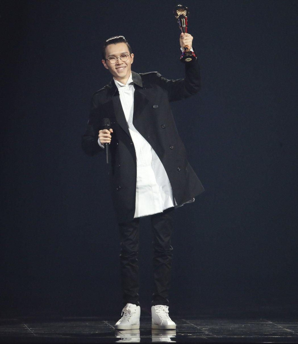 第28屆金曲獎,林俊傑擔任頒獎人,方大同獲得最佳國語男歌手獎。記者陳立凱/攝影