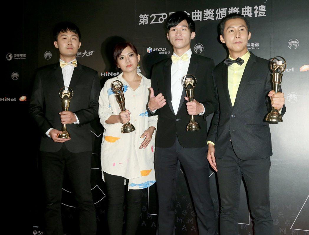二本貓獲得最佳客語歌手獎。記者黃威彬/攝影