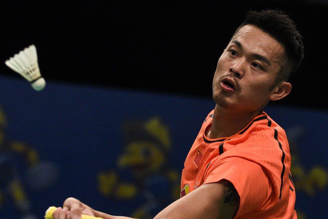 林丹敗陣諶龍,無緣四強,圖為他日前在印尼超羽賽揮拍。 新華社