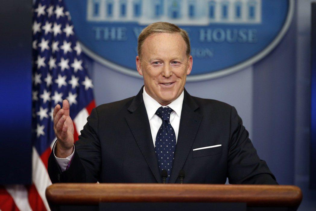美國白宮發言人史派瑟指出,雖然川普總統「有權」開除穆勒,但「他無意這麼做」。 美...