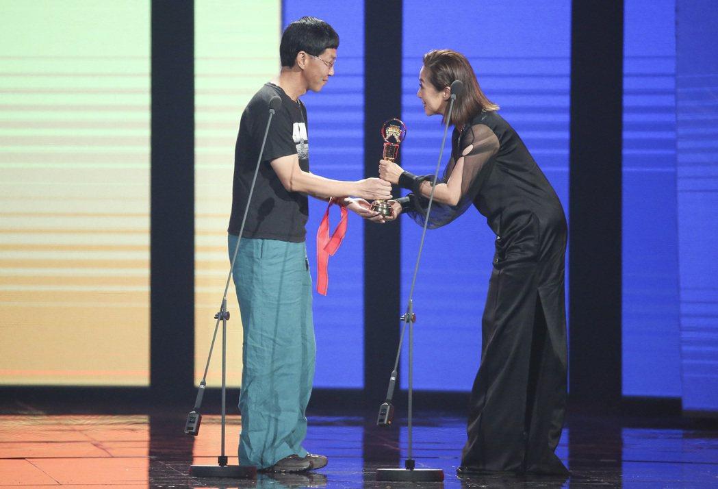 第28屆金曲獎,黃韻玲擔任頒獎人,生祥樂隊獲得評審團獎。記者陳立凱/攝影 楊萬雲
