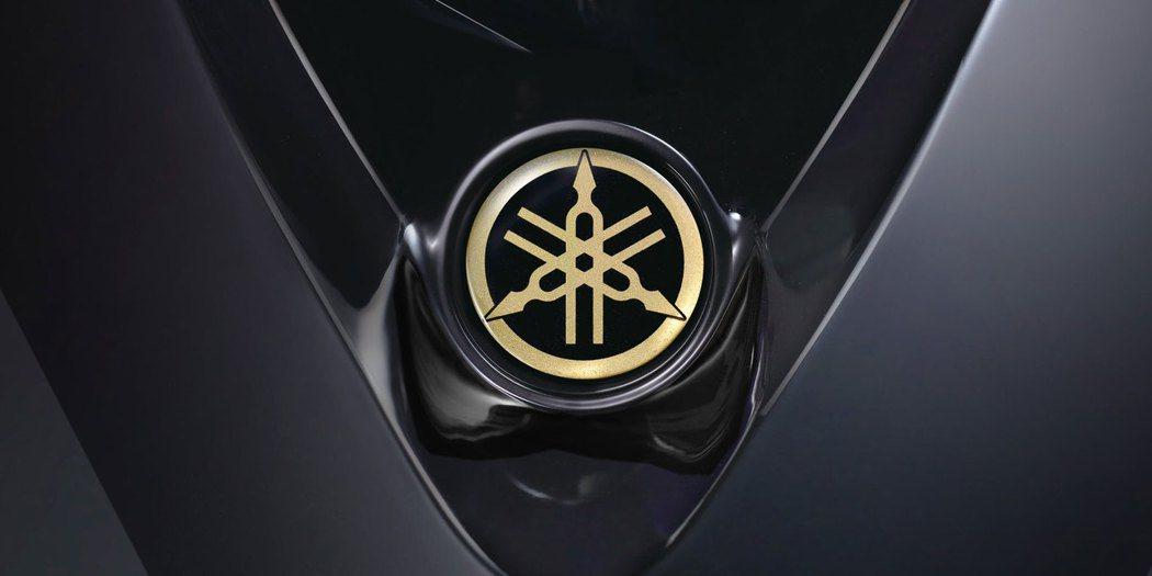 閃耀金色音叉LOGO。圖/台灣山葉機車提供