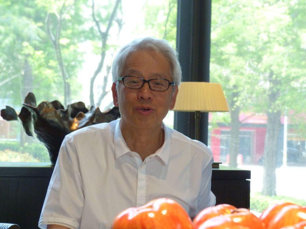 寶璽建設董事長梁德煌不只會蓋豪宅,還很會寫小說,已出版3本短篇小說集。記者趙容萱...