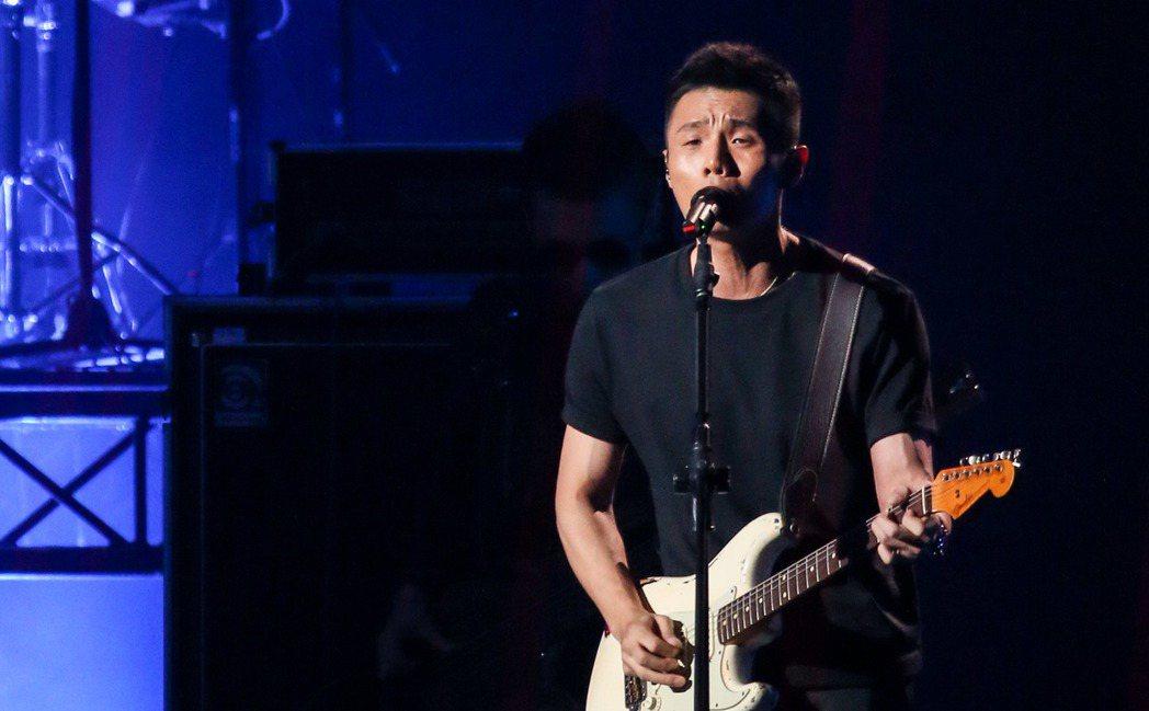 李榮浩晚上在第28屆金曲獎頒獎典禮上演出。記者陳立凱/攝影