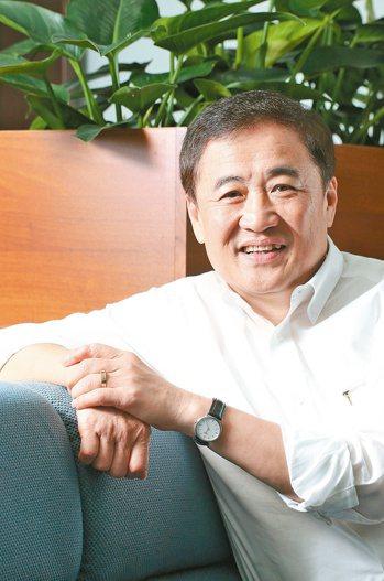 陳景峻小檔案年齡:61歲現職:台北市副市長養生一句話:「兩泡一動」,...