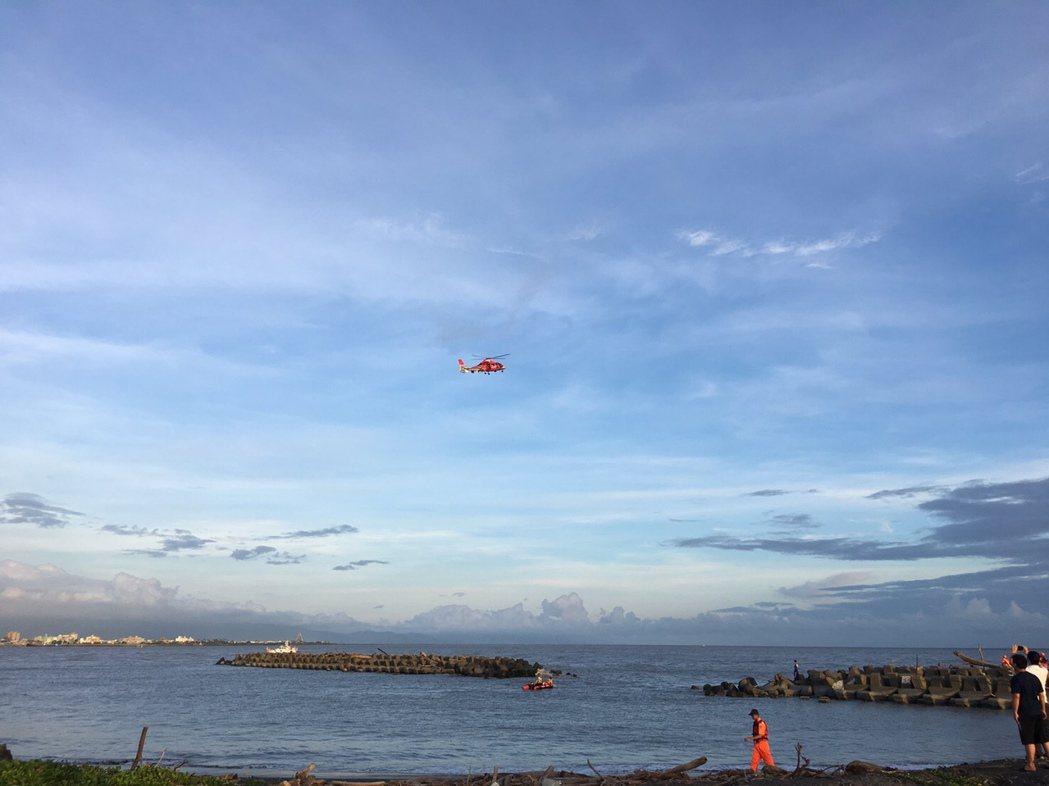 消防出動直升機搜救。圖/高市消防局提供