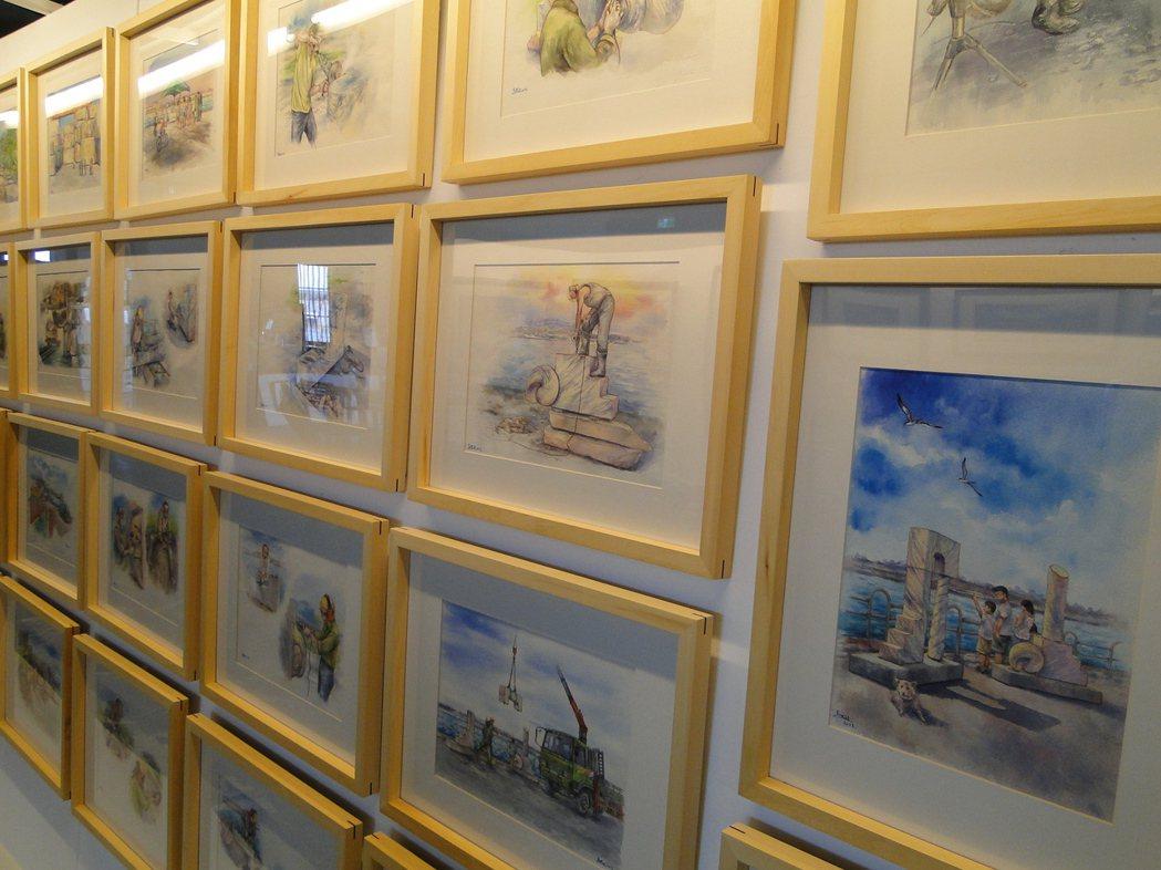 畫家馬筱媛與文本撰稿人林滿津在花蓮市維納斯藝廊合力推出 繪本《石仔的藝術》的畫作...
