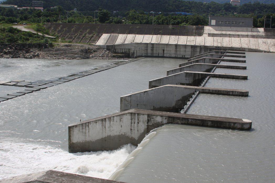 經濟部斥資9億的大溪中庄攔河堰及中庄調整池工程將改善未來北部供水。記者曾增勳/攝...