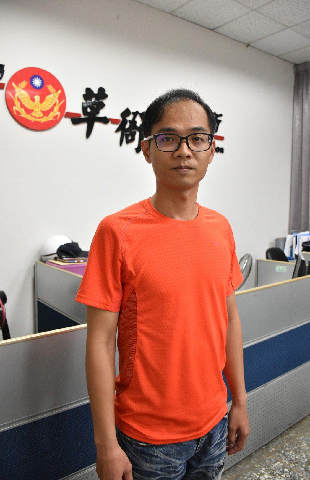 草衙派出所33歲警員宋志傑運動時巧遇單車小偷,尾隨10公里抓人。記者蕭雅娟╱攝影