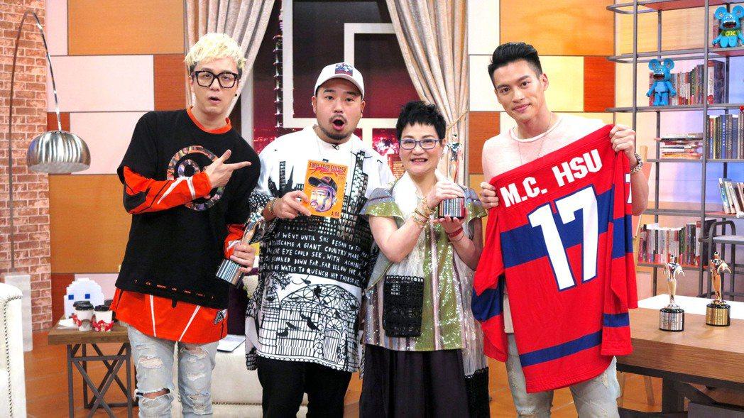 廖人帥(左起)、阿達、許孟哲上TVBS「小燕有約」。圖/TVBS提供