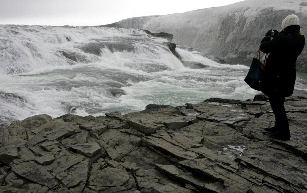 源自Hvita冰川河的黃金瀑布,是冰島著名旅遊景點。 路透資料照片