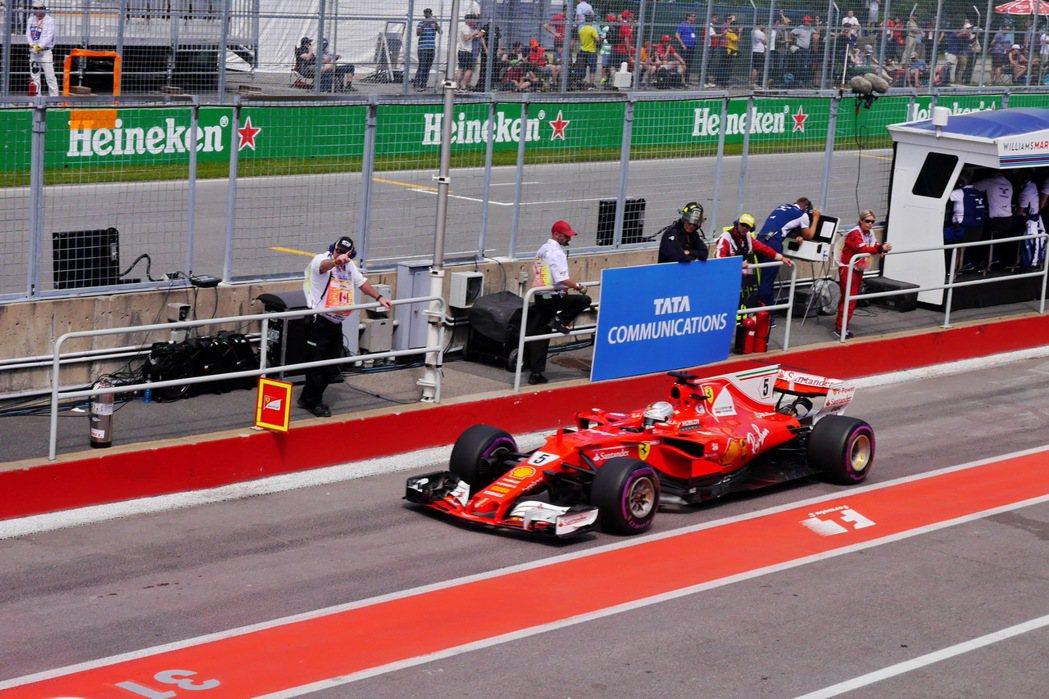F1的現場魅力,是電視轉播無法感受到的。記者陳威任/攝影