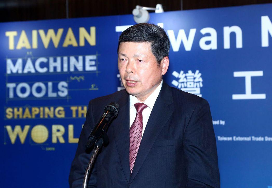 外貿協會秘書長葉明水與歐美七國專業團分享,如何協助台灣工具機業者拓銷全球市場。貿...