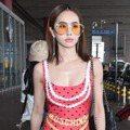 蔡依林穿泳裝秀性感 女星都在機場狂賣萌