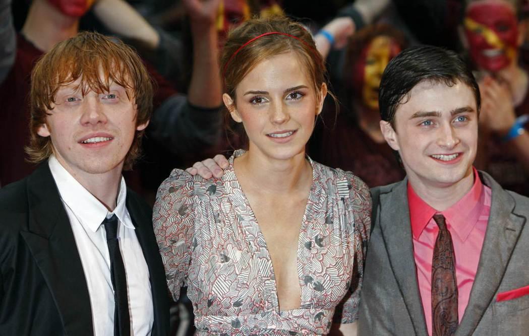 「哈利波特」滿20周年,男主角丹尼爾雷德克里夫(右)在推特上發表祝詞。圖/路透