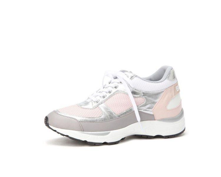 Suecomma Bonnie全智賢鞋款,售價10,800元。圖/MADISON...