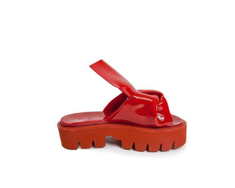 N21#Kartall結繩造型紅色厚底拖鞋,售價9,800元。圖/MADISON...