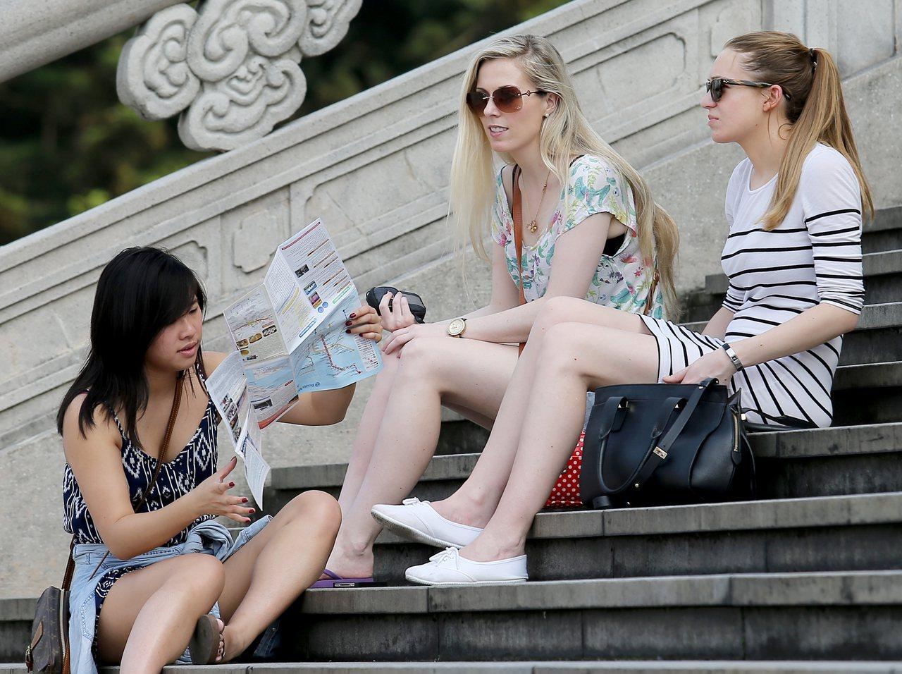 外國女子在台北。本報資料照/余承翰攝影