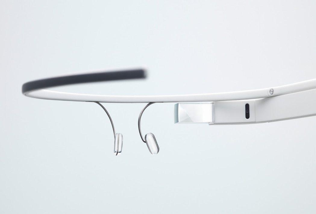 分析師認為,蘋果將持續投資VR、AR技術,智慧眼鏡未來可能取代iPhone。圖為...