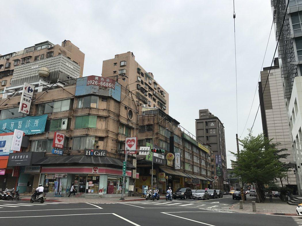 北市公寓價格持續下跌。記者游智文/攝影
