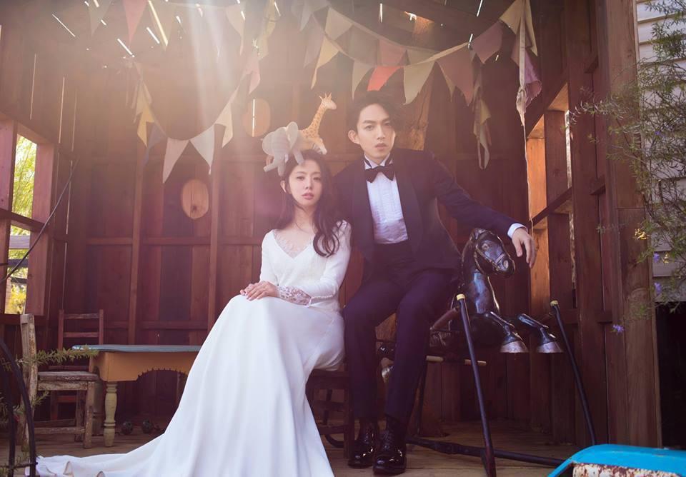 丁文琪在日本婚禮選穿MS.IDEAS簡約婚紗。圖/摘自丁文琪臉書
