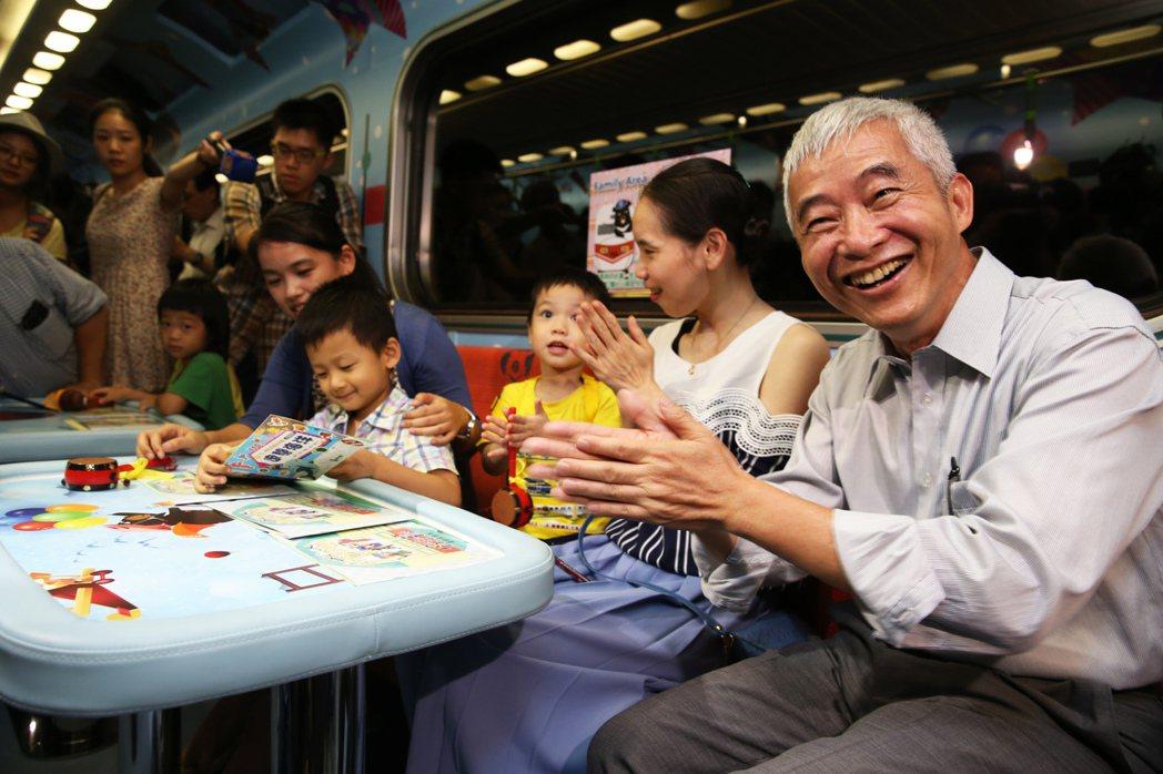 交通部長賀陳旦今天出席台鐵親子車廂發表會。記者徐兆玄/攝影