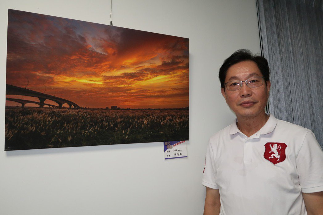 68歲的康進雄已經上課3年多,他形容自己一點都不想畢業。記者翁禎霞/攝影