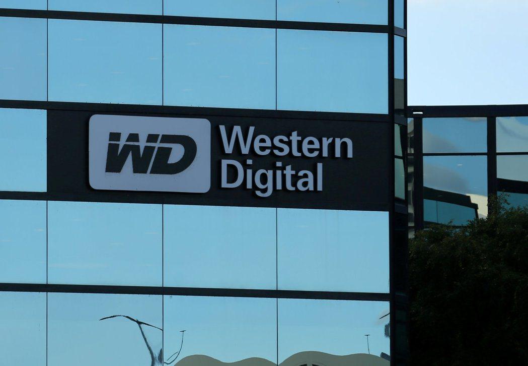 針對東芝出售晶片事業案,威騰電子(WD)和KKR今天向東芝提交新的競標提案,不顧...