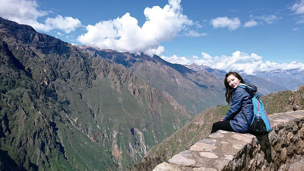 謝忻年初到南美洲自助旅行。圖/時代創藝提供