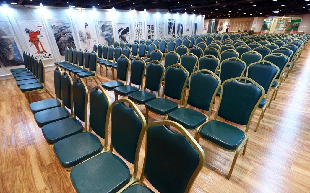重新改裝後的張榮發基金會國際會議中心展覽廳,第一檔開幕活動特別舉辦重量級藝文展,...