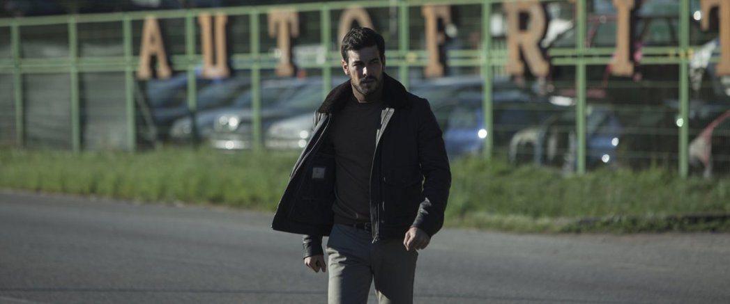 「佈局」男主角馬里奧卡薩斯是西班牙的當紅小生。圖/摘自imdb
