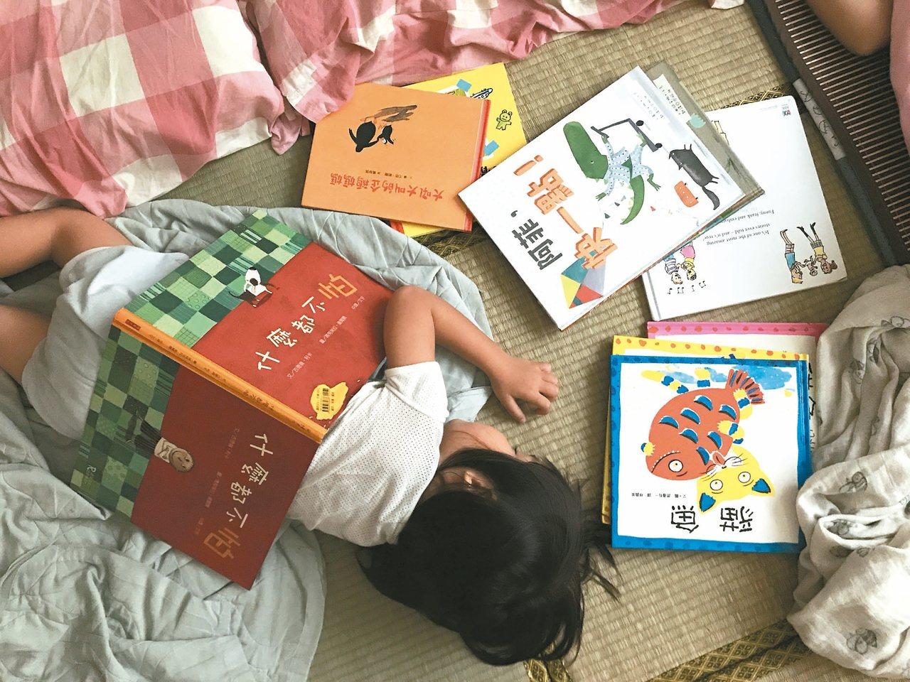 上周末兩天,小兒都熟睡到近中午,如果不是刻意吵醒他,幾乎就要睡過中午了。 圖/諶...