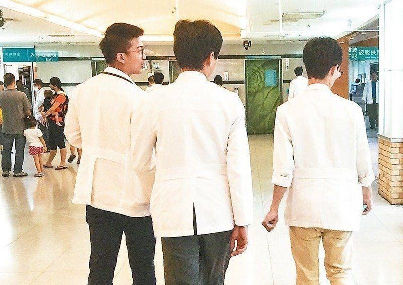 長庚醫院急診科爆發離職潮,外傳林口、台北及基隆三院區上看40位醫師出走。 圖/...