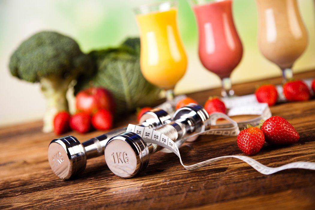 醫師指出,運動後適當補充均衡營養,並不容易造成脂肪堆積。(示意圖) 圖/ingi...