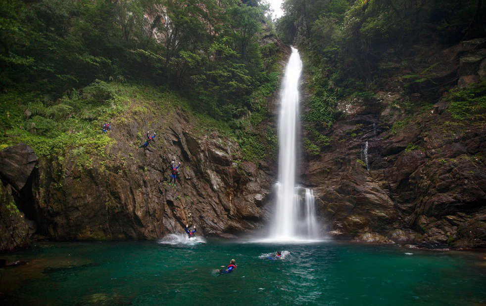 宜蘭南澳鄉金岳瀑布傳出民眾溺水事件。 本報系資料照