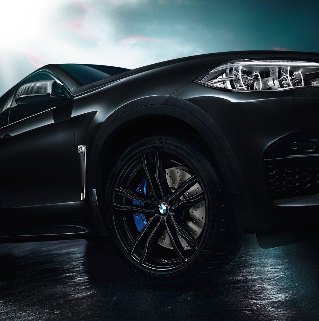 21吋鍛造輪圈。圖/BMW提供